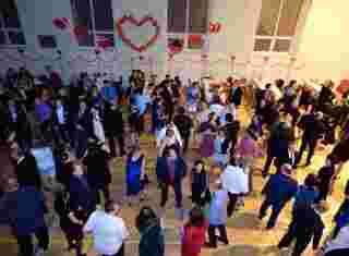 Taneční parket s lidmi