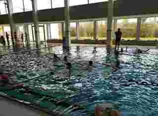 Plavecký bazén s dětmi